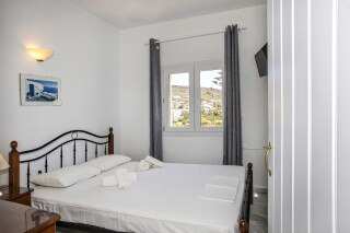 building a porto holidays apartments double bed-1