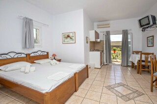 building b porto holidays apartments double bedroom
