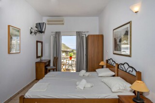 building b porto holidays apartments gardenside room